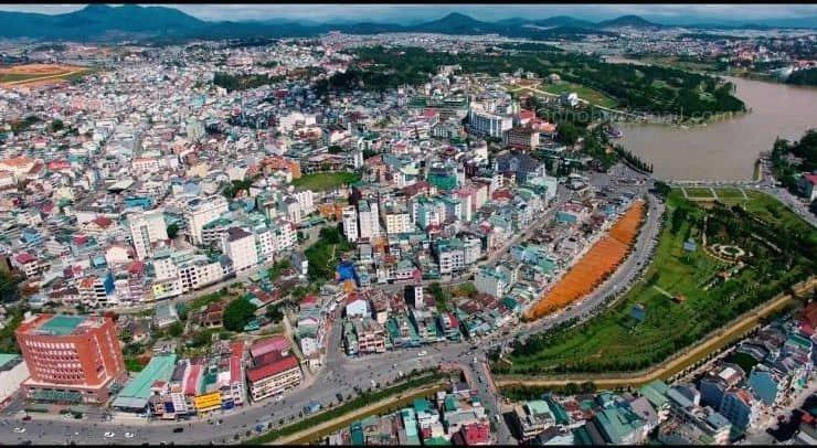Nhiều lô đất lớn tại trung tâm Đà Lạt được rao bán lên đến cả trăm tỷ đồng/lô.